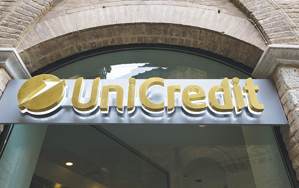 unicredit analisti