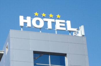 divise per cameriere hotel